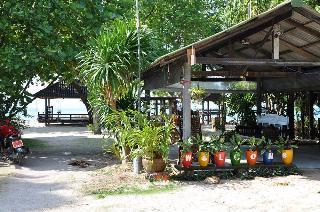 Charm Beach Resort, 1012 Moo 1,