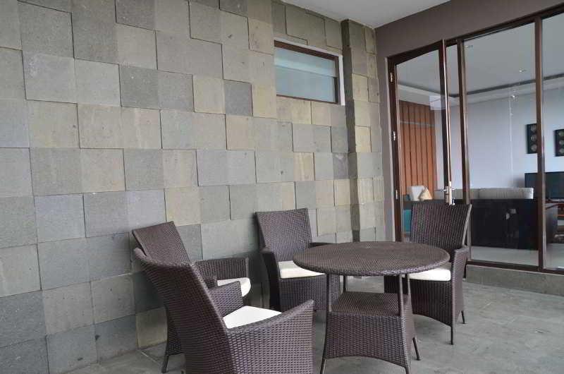 Cemara Villa Dago, Jl Bukit Cemara Hijau,19