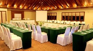 Laras Asri Resort &…, Jl. Jendral Sudirman No.…