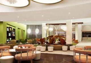 Renaissance Arlington Capital View Hotel