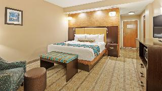 Best Western Plus Kendall Airport