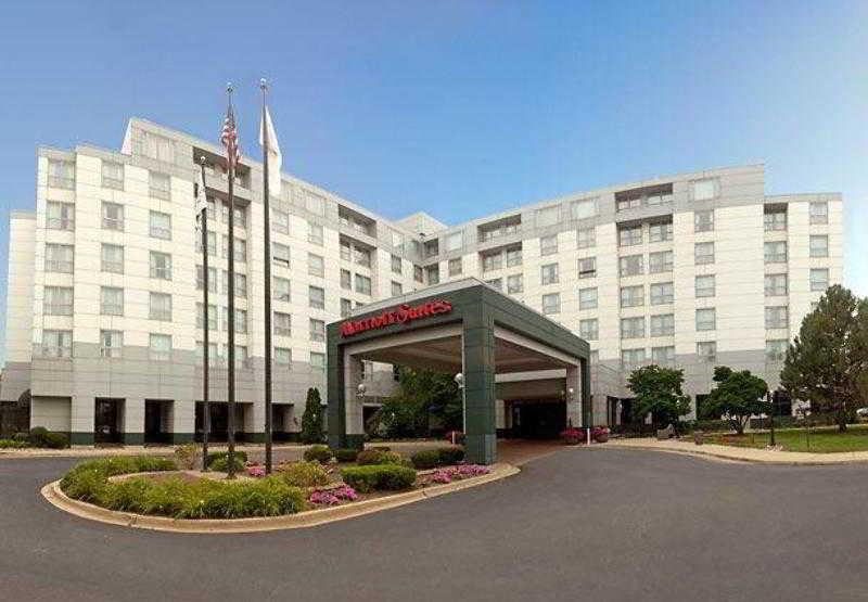 Chicago Marriott Suites…, 2 Parkway North,