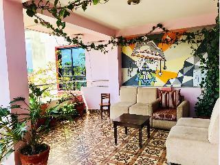 Backyard Hotel - Generell