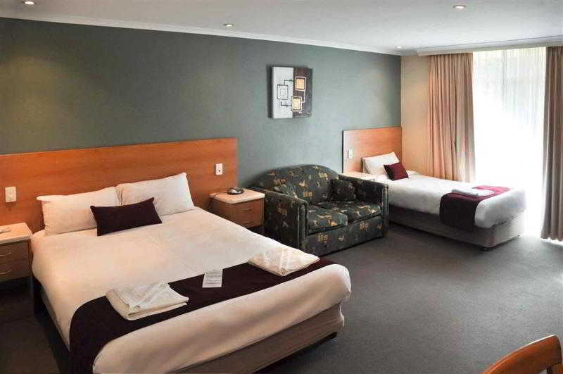 Ibis Styles Orange, 146158 Bathurst Road,