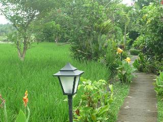 Bliss Bungalow, Jln Raya Sanggingan Ubud…