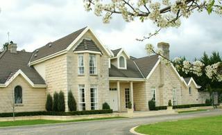 Montfort Manor, 35 Hoven Drive,