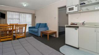 Edelweiss Motel, 70 Seaview Roadpaihia,