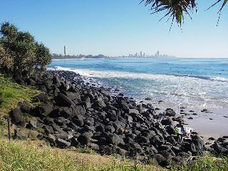 Aussie Resort, 1917 Gold Coast Highway,