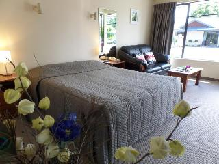 Centre Court Motel, Maxwell Road ,58a