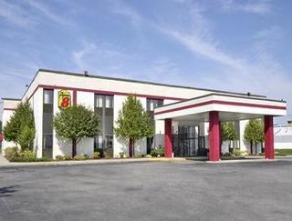 Super 8 Motel - Brockton