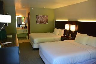 Fall Creek Inn & Suites, State Highway 165 ,995