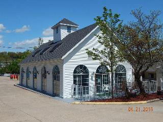 Carriage House Inn, Green Mountain Drive,3015