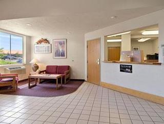 Super 8 Motel - Redmond