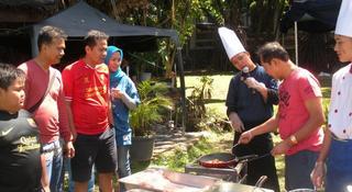 Kampung Sumber Alam, Jl. Raya Cipanas 22,122