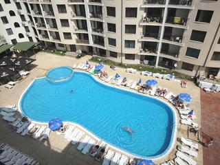 Avalon Apartments - Pool