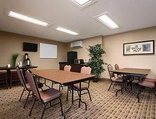 Microtel Inn & Suites Cedar Rapids / Marion
