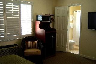 Bella Capri Inn & Suites, E. Ventura Blvd.,2050
