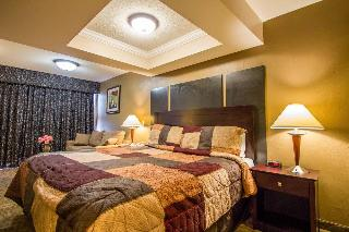 Econo Lodge Inn & Suites, 1750 Boston Post Rd,