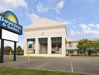 Days Inn and Suites Reynoldsburg Columbus East