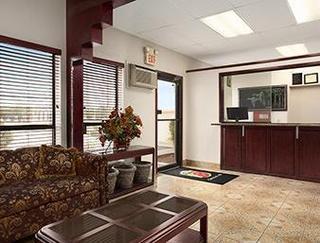 Super 8 Motel - Carlsbad