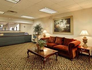 Howard Johnson Inn and Suites Columbus
