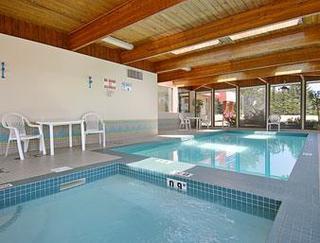 Calgary Hotels:Ramada Limited Calgary