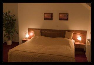 Hotel Podhrad, Namesti Ceskoslovenske Armady,30