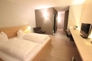 Hôtel des Alpes, Promenada 45,45