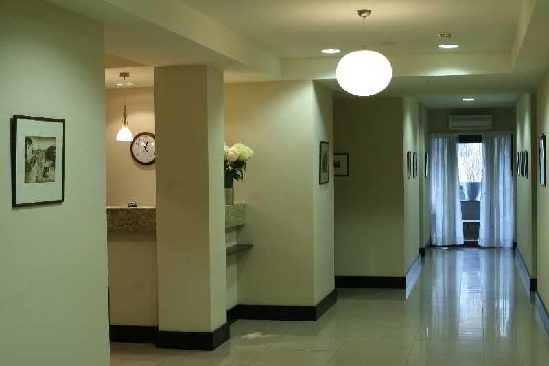 Hotel Meg, Jrashat,1