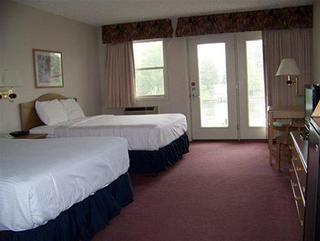 Fleetwood Inn & Suites