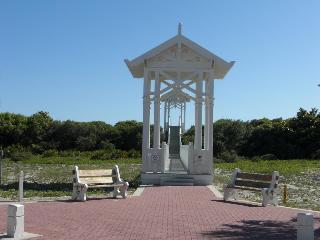 Carillon Beach Resort…, Carillon Market St 100,100