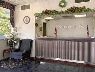 Super 8 Motel - Dillon