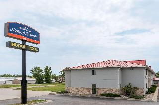 Howard Johnson by Wyndham…, Main Ave East,525