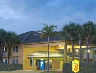 Super 8 Motel - Dania/Fort Lauderdale Arpt