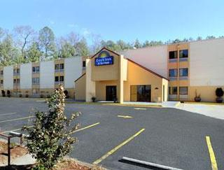 Days Inn And Suites Atlanta Six Flags