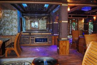 Blu Haze Resort, Chithirapuram; Pallivasal;…