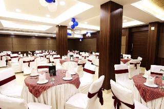 Usha Kiran Palace Hotel…, M.g. Road ,