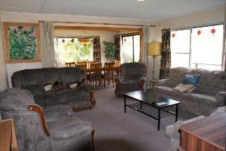 AAA Granary Accommodation, Staverton Rd ,575