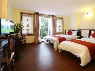 Charming 2 Hotel, Hang Ga Street ,31