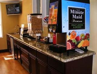 Days Inn and Suites - Sugarland/Houston/Stafford