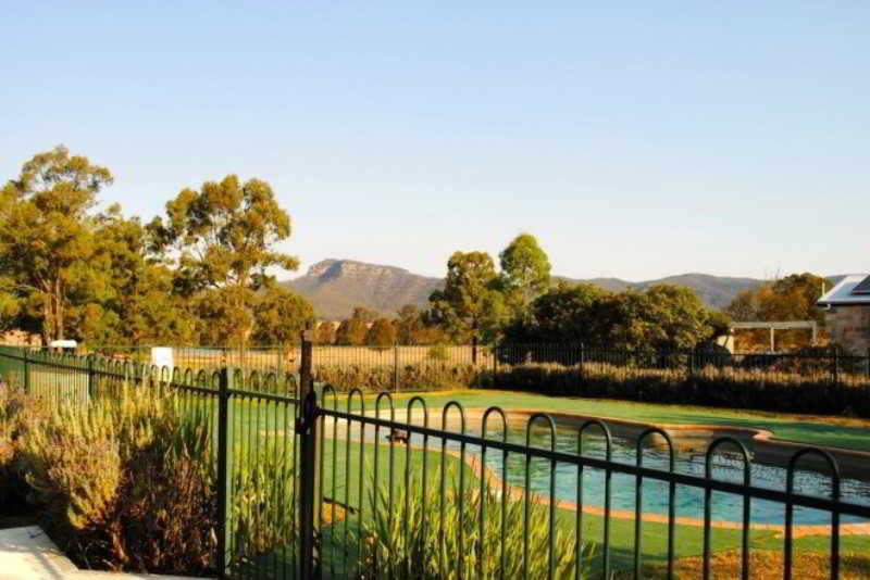 Starline Alpacas Farmstay…, Milbrodale Road,1100