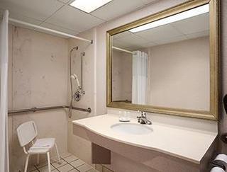 Baymont Inn And Suites Hays