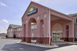 Days Inn & Suites by Wyndham Huntsville