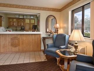 Super 8 Motel - Wilmington