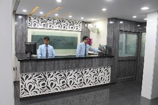 Hotel Omni Palace, Ratlam Kothi Main Road ,16-c