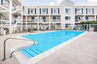 Baymont by Wyndham Wilmington, 306 South College Road, ,