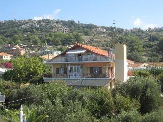 Lorenzo Hotel & Apartments