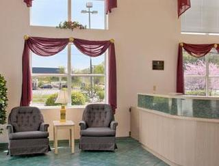 Super 8 Motel - Sevierville