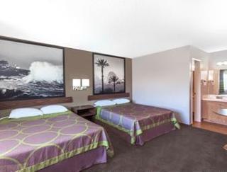 Super 8 Motel - Canoga Park