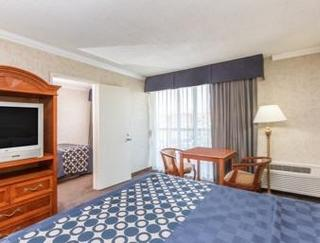 Days Inn Los Angeles/Airport Center/LAX/Venice Bea